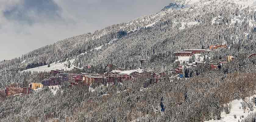 france_paradiski-ski_les-arcs_view1.jpg